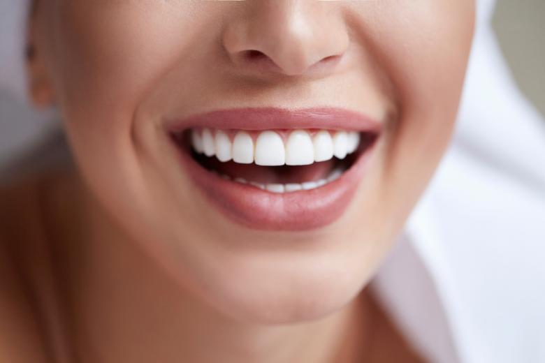 漱口水促进牙齿美白